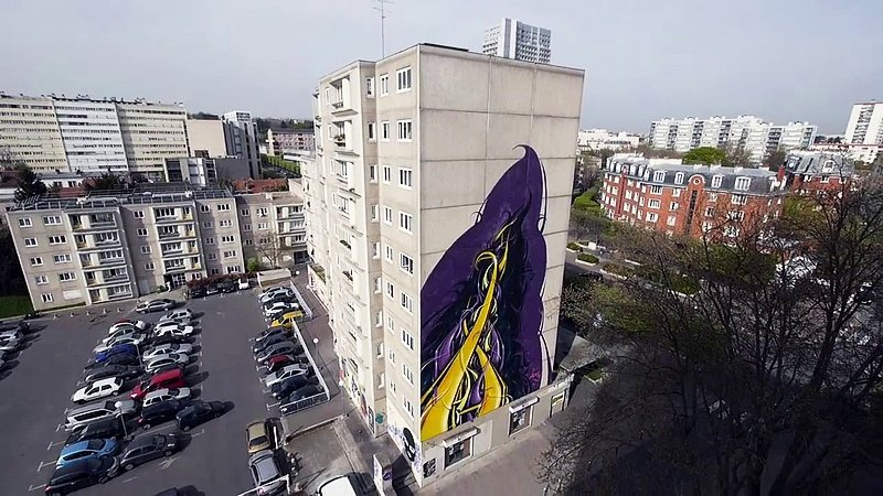 Видео: ASTRO рисует на фасаде в Париже