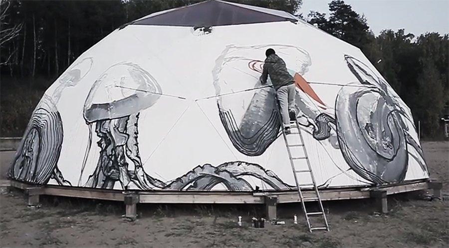 Видео: Aber рисует на шатре
