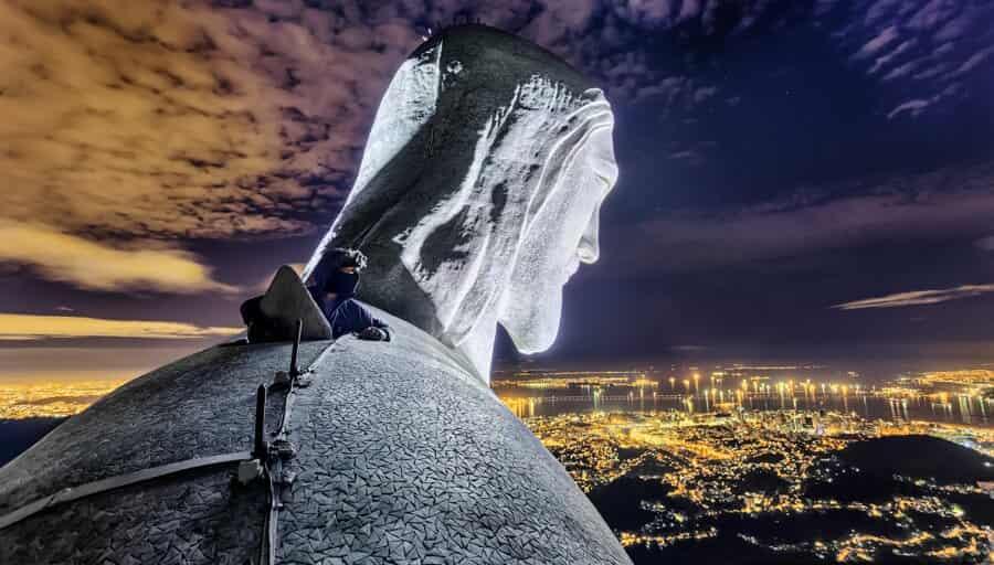 Руферы из России и Украины покорили статую Христа в Бразилии