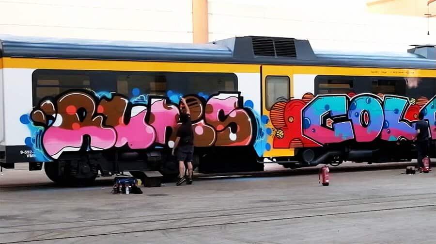 RUNIS REIS рисует в Португалии