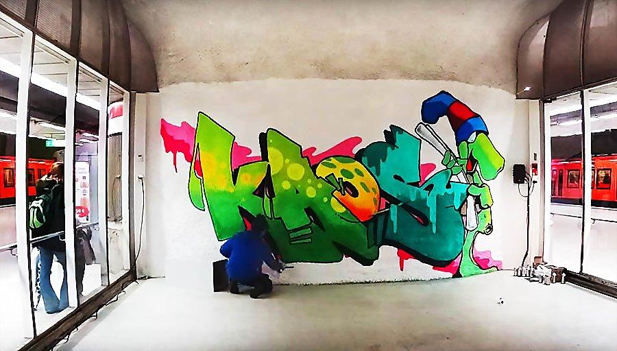 Kaos рисует в метро Хельсинки