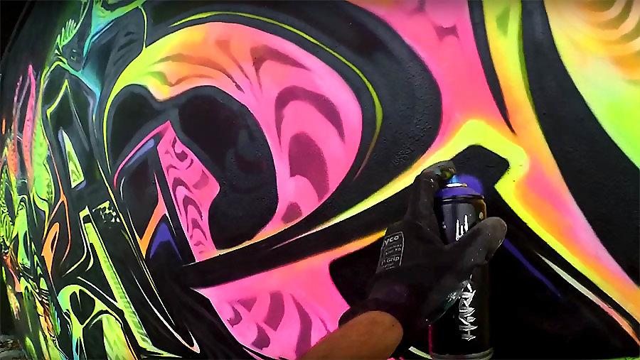 Skare | NEON | Graffiti in Warsaw