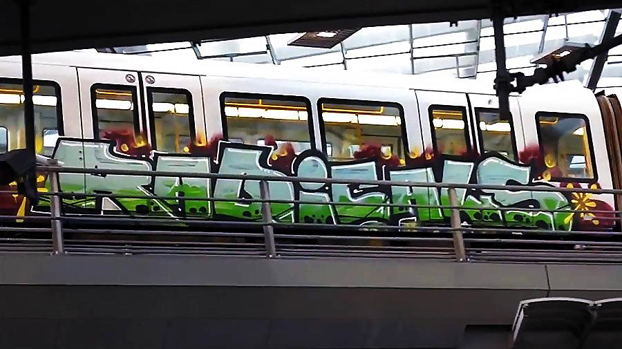 Running under Copenhagen 2   Metro