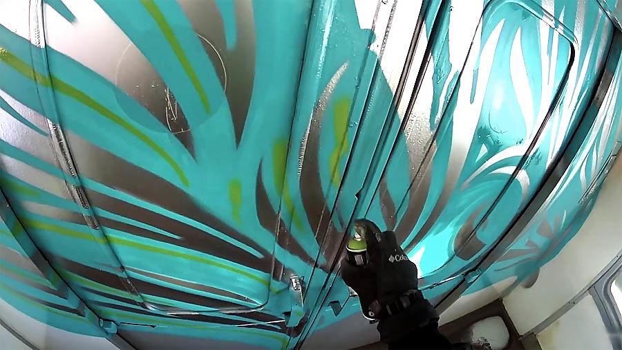 FOUS | GRAFFITI – FAST TRAIN BOMBING