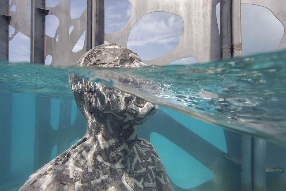 На Мальдивах открылась первая подводная арт-галерея