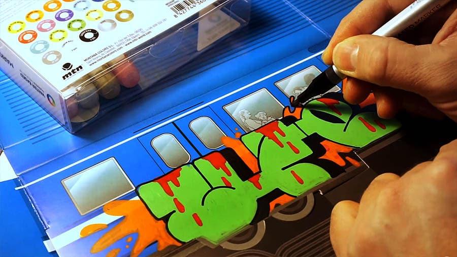 UZI WUFC рисует на холсте вагона