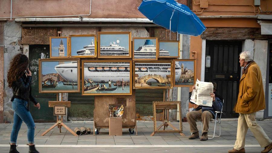 Венецианское биеннале, где Бэнкси выставил свою работу