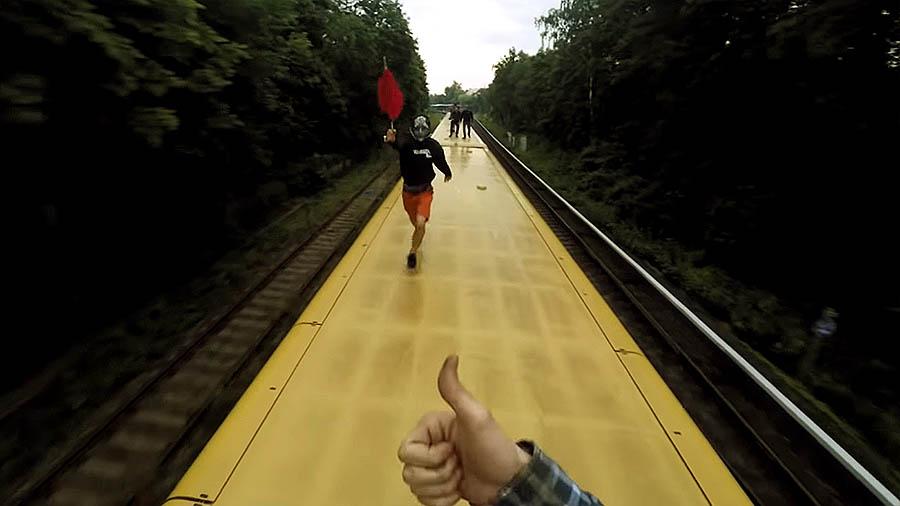 Trainsurfing | Berlin Kidz x DyingLlama