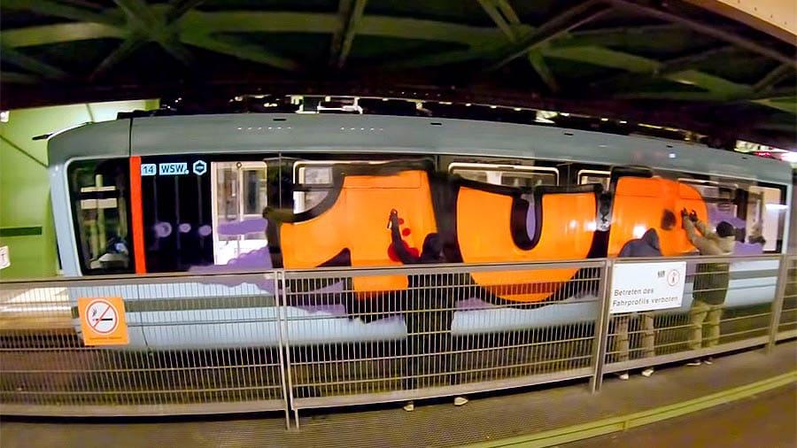 1UP | Rache für Tuffi | Schwebebahn Wuppertal