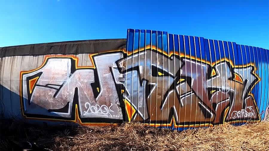Graffiti super gold effect