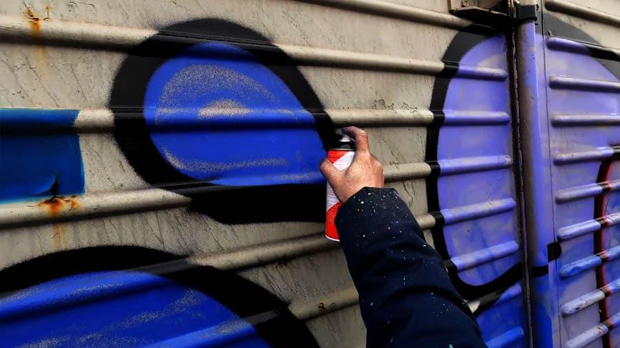 Graffiti throwups Singleplayer