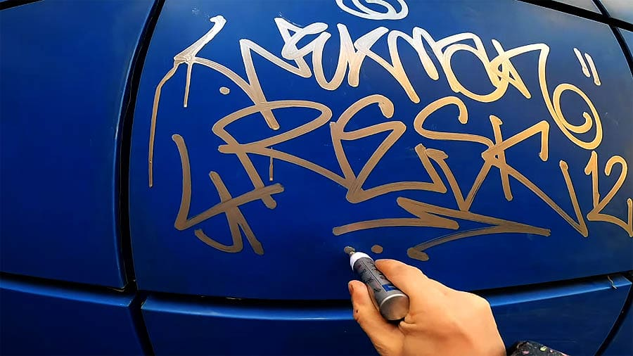 Singleplayer graffiti tagging