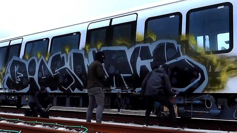 Sleeplezz – Copenhagen Train Writing