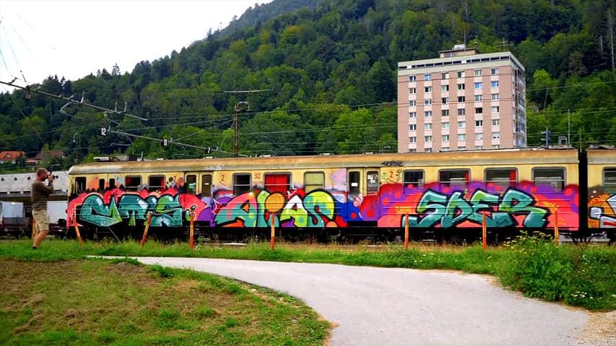 Deceleration of Graffiti