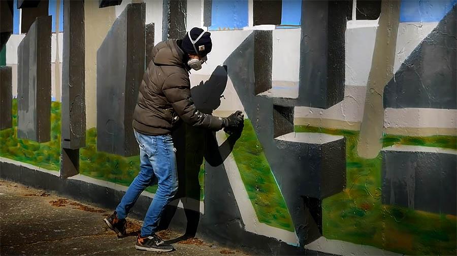 DOKIE   TRANSPARENT Wall