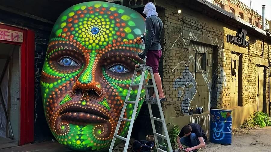 Street art improvisation by Bozik