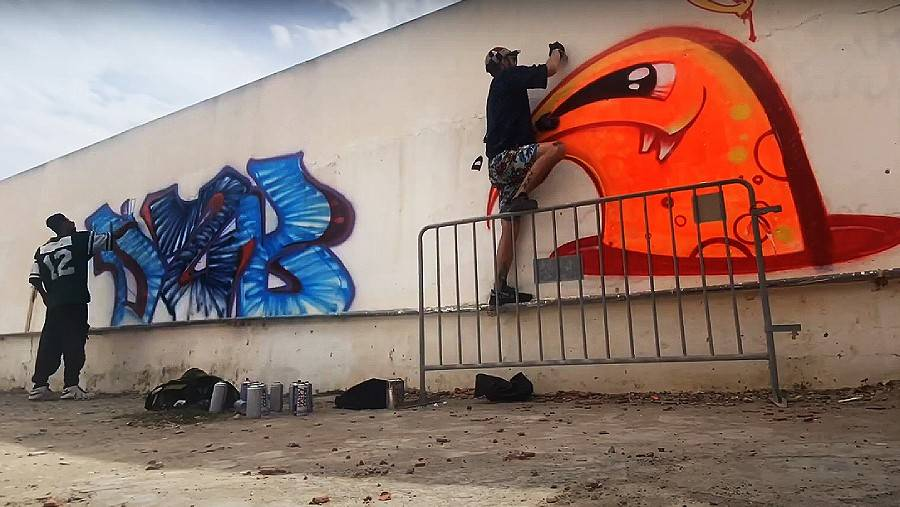 Tunisia graffiti trip Dem51