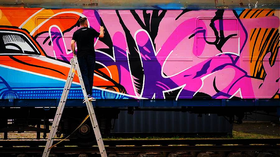 MOLOTOW Train — BUST ART