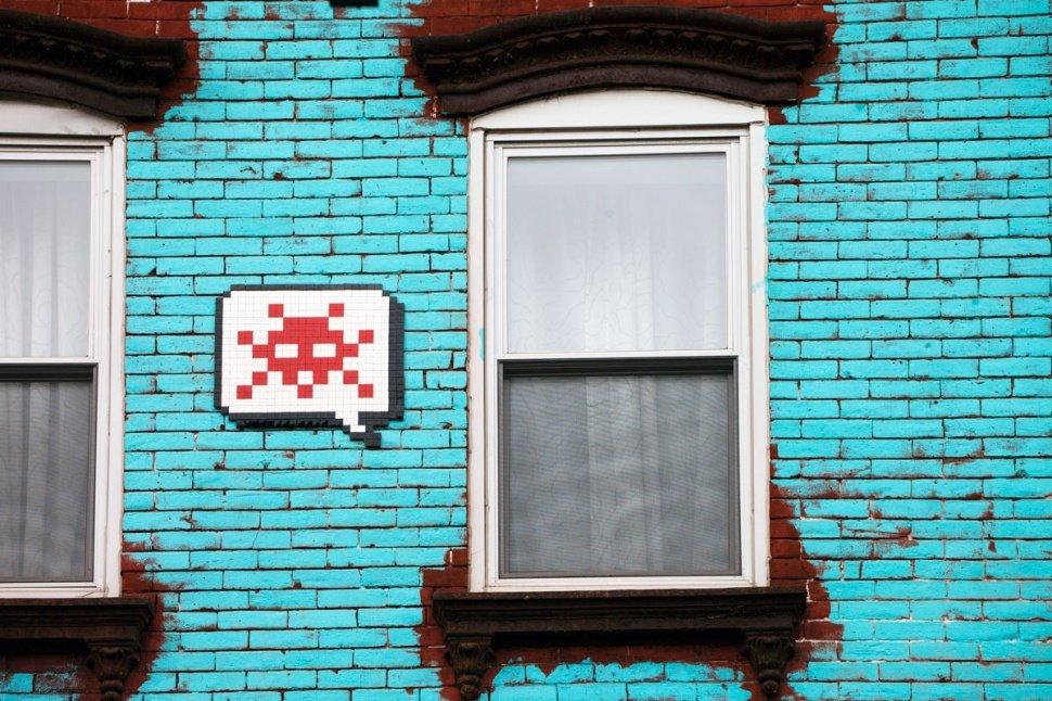 Space Invader художник граффити